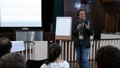 O Prof. Dr. Alfonso Galán Muñoz conversará sobre oportunidades de especialização. Dia 1.º de setembro, das 17h às 19h, na sala ESADE.