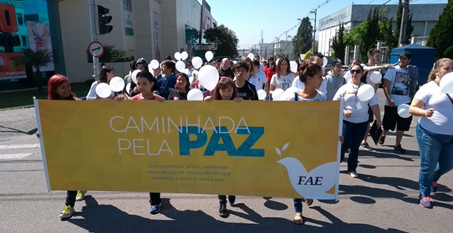 Iniciativa organizada pela FAE ocorreu no centro de São José dos Pinhais