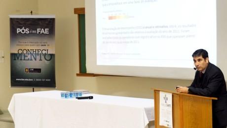 Evento sobre gestão da saúde foi ministrado pelo vice-presidente da Fehospar, Claudio Enrique Lubascher.