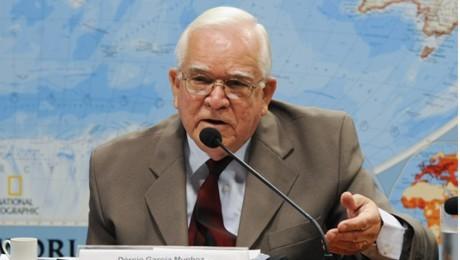 Dércio Garcia Munhoz falará sobre o cenário econômico brasileiro. Evento acontece nesta quinta-feira (06).