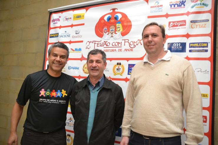 Imagem: Paulo Szostak. Foto da esquerda para a Direita: O vice-presidente do Projeto Romã, Marinho, o prefeito de São José dos Pinhais Antônio Fenelon, e o Secretário de Meio Ambiente Ariston Ghidin