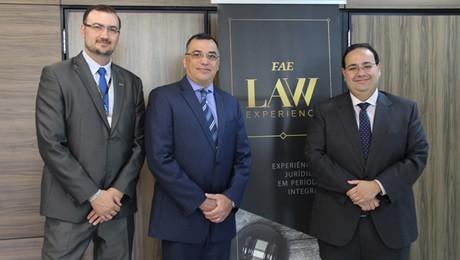 LAW Experience é uma proposta inovadora de graduação que oferece experiências nacionais e internacionais ao estudante