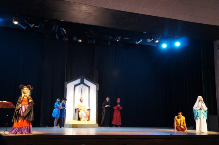 O Auto da Farsa - Grupo de Teatro FAE