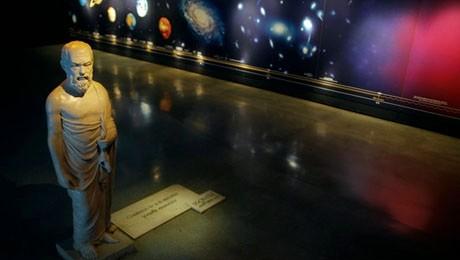 Alunos de Pedagogia visitam espaço para aprender novas técnicas de abordagem na educação infantil.