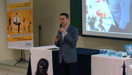 Associados FAEX assistem palestra exclusiva com Luiz Gaziri.