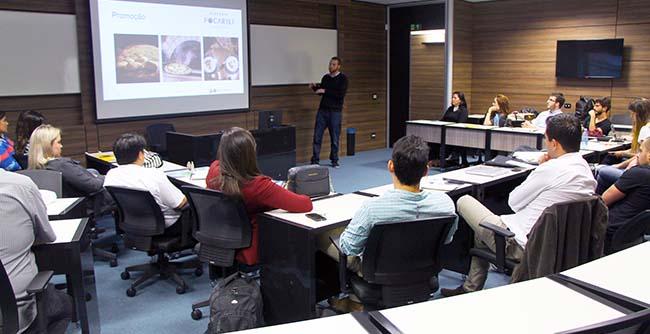 FAE promove encontros mensais sobre empreendedorismo para ex-alunos
