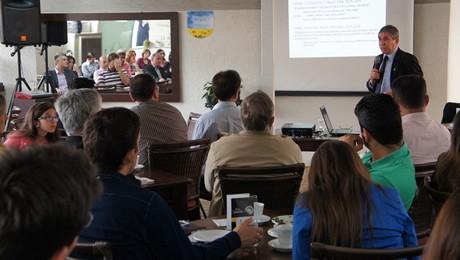 Evento foi realizado em parceria com a ACIAA. Na ocasião, foi anunciado o início das atividades da FAE na cidade.