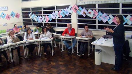 Debate e visita técnica movimentam o curso de Pedagogia.