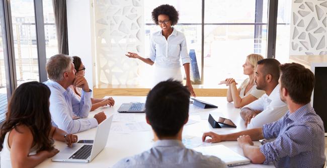 Ao longo dos anos, é possível perceber uma evolução nos conceitos básicos sobre o que significa liderança.