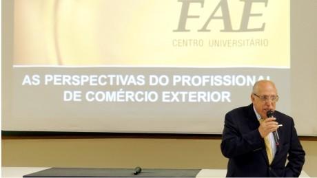 Odone Fortes Martins, presidente do Diário Indústria&Comércio, falou para alunos de Negócios Internacionais.