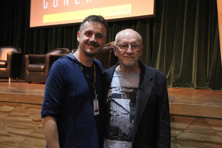 O coordenador de Letras, Rogerio Tomaz, e o escritor Paulo Venturelli.