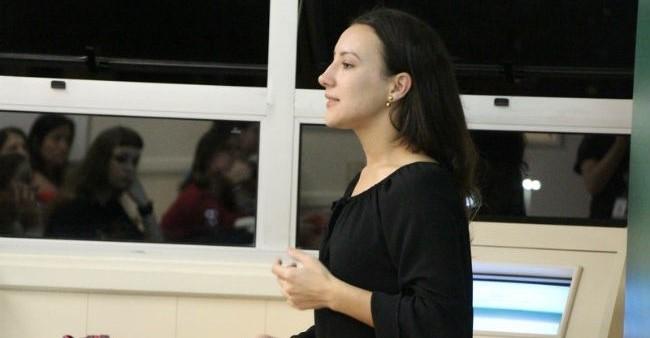 Estudantes da FAE realizam um bate-papo sobre o tema e como eles podem atuar na inclusão e no ensino dos surdos