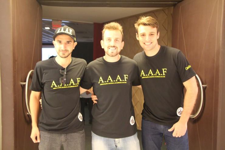 Estudantes integrantes da Associação Atlética Acadêmica da FAE.