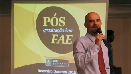 Docentes da Pós-Graduação FAE reúnem-se para alinhamento dos módulos 2015.