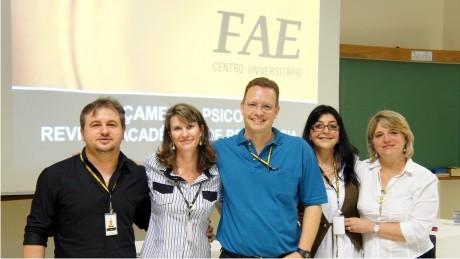 Após inauguração do Serviço-Escola, curso fecha 2012 com o lançamento da sua primeira publicação científica.