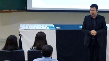 Palestra sobre mercado financeiro apresentou novas possibilidades de investimento para ex-alunos da FAE.