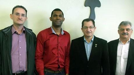 FAE e Cecred assinam Programa In Company para desenvolver lideranças de gestão de negócios.