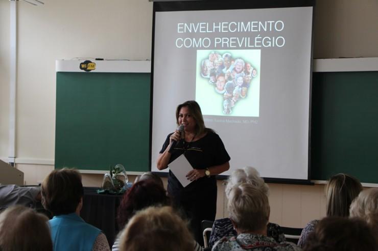 A coordenadora do FAE Sênior, Denise Terezinha Monteiro Machado.