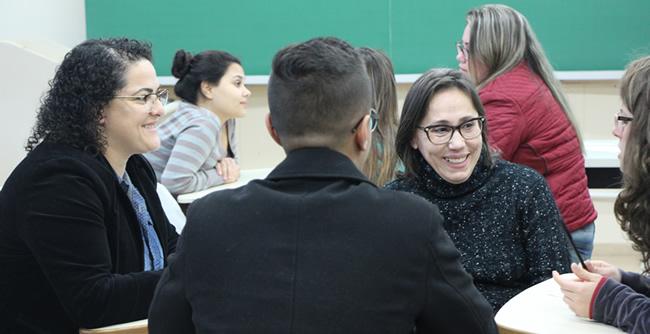 Pastoral Universitária da FAE realiza formação de voluntários