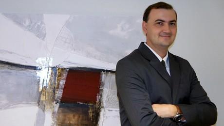 Administrador formado pela FAE e doutor em Engenharia de Produção e Sistemas, Everton Drohomeretski, assume nova gestão.