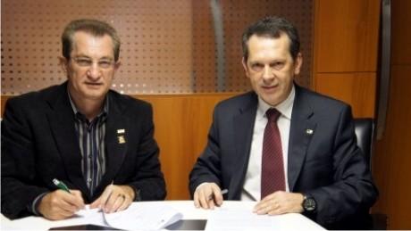 No início de julho, a FAE assinou convênio de colaboração recíproca com o Banco Regional de Desenvolvimento do Extremo Sul (BRDE) para a criação do laboratório FAE-BRDE de Economia.