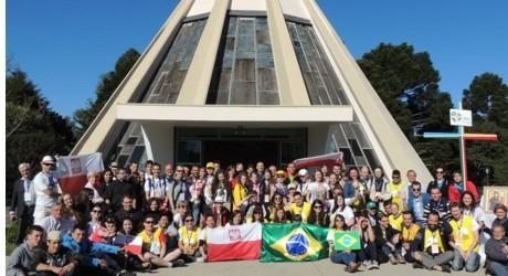 Grupo que participa da Semana Missionária, em Curitiba, embarca neste final de semana para a Jornada Mundial da Juventude, no Rio de Janeiro