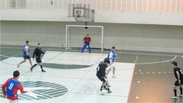 Jogos acontecem de segunda a sexta-feira, a partir das 22h, na FAE Centro Universitário.