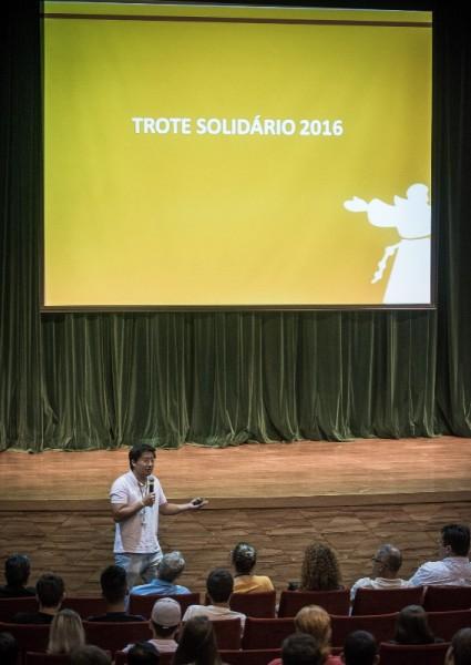 Trote Solidário foi anunciado durante a aula de inauguração aos calouros 2016.