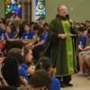 Mais de 200 jovens participaram de ações solidárias e momentos de oração para despertar espírito franciscano.