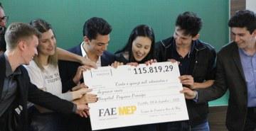 Estudantes do 1.º ano do curso de Administração Integral da FAE criam empreendimentos em prol da instituição