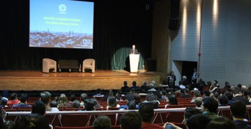 Evento realizado na FAE contou com a presença do prefeito de Curitiba, Rafael Greca