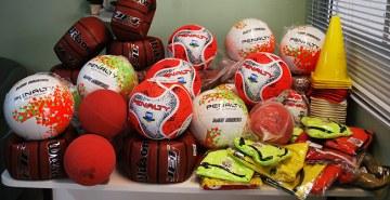 Calouros arrecadaram materiais esportivos para instituições parceiras