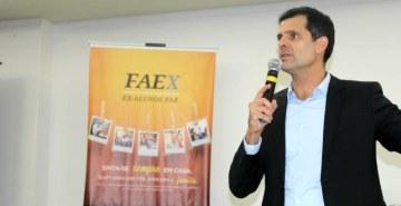 FAEx promoveu bate-papo com o empresário André Caldeira em São José dos Pinhais
