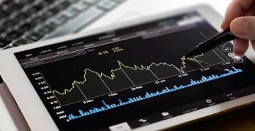 Diversificar investimentos em títulos pós-fixados e de alto risco garantem ganhos contínuos