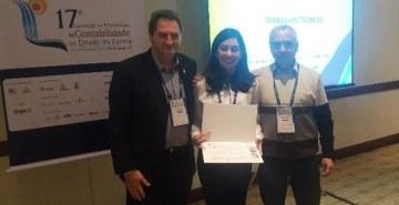 Professor e aluna da FAE apresentam seus trabalhos na 17.ª Convenção dos Profissionais da Contabilidade do Estado do Paraná