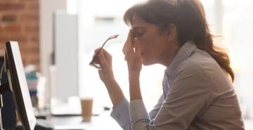Psicólogos afirmam que relações individualistas, falta de reconhecimento e a busca desenfreada pelo sucesso são alguns dos motivos