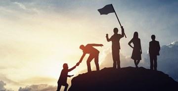 Líderes devem possuir valores como empatia, resiliência, escuta ativa, adaptabilidade, flexibilidade, propósito, capacidade de comunicação e de resolver problemas, entre outros