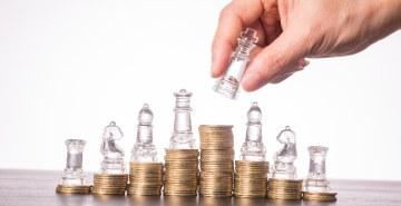 Segundo especialista, é preciso diversificar a carteira de investimentos de forma inteligente para tirar benefícios do caos. Mas quais seriam as atitudes mais certeiras para isso?