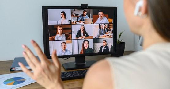 Programa de Relacionamento com ex-alunos promove diversas atividades de forma on-line e mantém a troca de experiências e networking